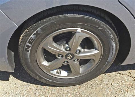 hyundai elantra eco light 2017 hyundai elantra eco sedan test drive nikjmiles com