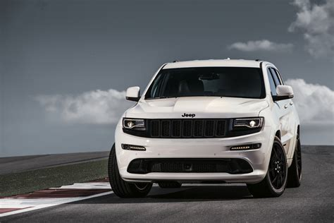 badass jeep grand cherokee jeep grand cherokee lineup grows with srt night edition in