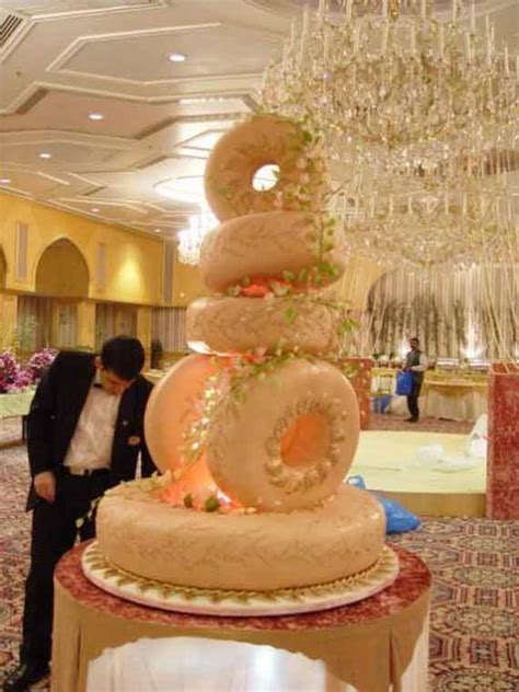 Goes Wedding » Amazing Wedding Cake Decoration Ideas