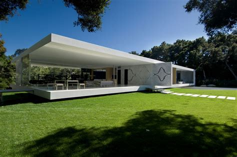 home design concept with beach background photo 1 the glass pavilion an ultramodern house by steve hermann