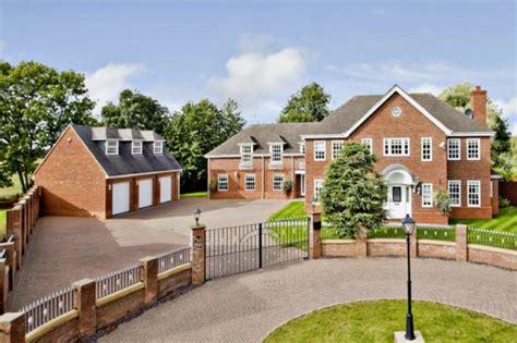 7 bedroom homes 7 bedroom detached house for sale in belfry