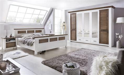 Schlafzimmer Pinie by Schlafzimmer Laguna Pinie Teilmassiv Wei 223 Abs Terra