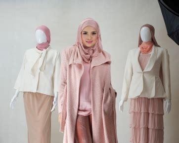 desain baju ria miranda desainer ria miranda mulai bisnis fashion dengan jual baju