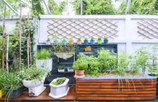 costruire sul terrazzo come costruire una serra sul balcone idee green