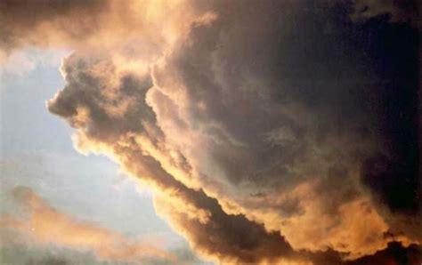 of god cloud 7 miraculous times god appeared in the clouds photos living faith home family news