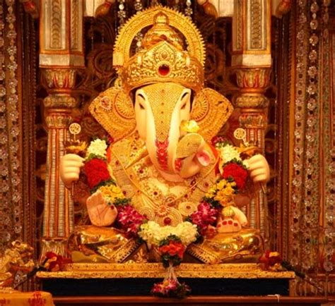 Home Ganpati Decoration by Shrimant Dagdusheth Halwai Ganpati Tv