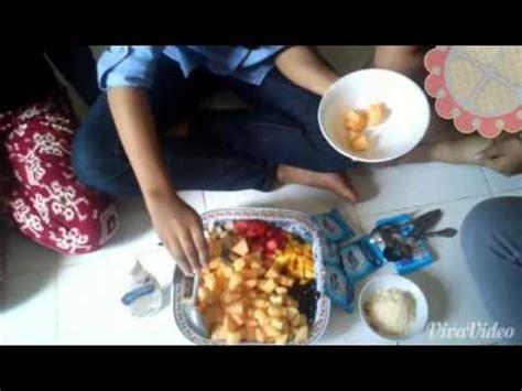 youtube membuat salad tugas bahasa indonesia cara membuat salad buah youtube