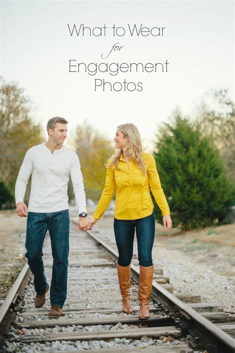 Wedding Wear For by What To Wear For Engagement Photos