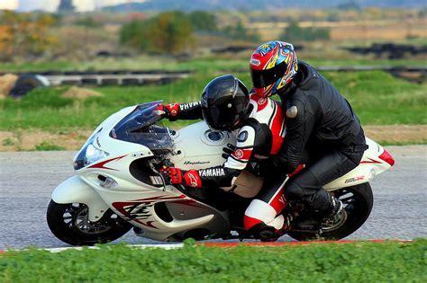 Suzuki Riders The Correct Way To Ride With A Pillion Visordown