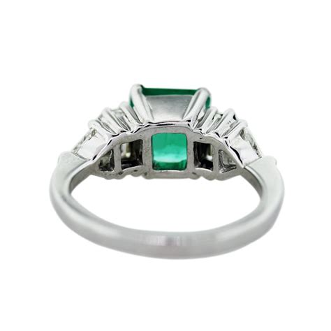 18k white gold emerald and ring