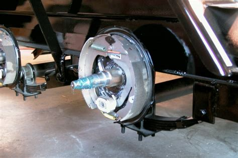 why you should upgrade your trailer to surge brakes to