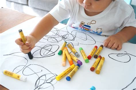How To Increase Interest In Mark Making On Paper Early Years Careers Children Drawing Pictures For Painting