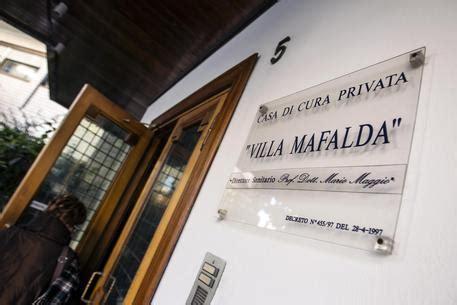 casa di cura villa luisa roma bimba morta a roma consulente clinica no errori ma