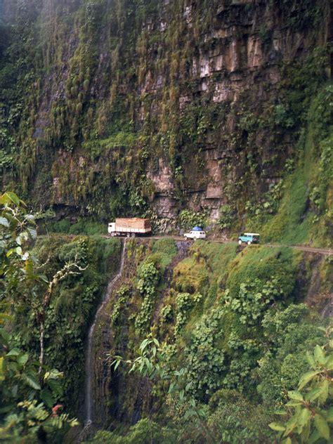 world dangerous top 10 most dangerous roads in the world toptenz net