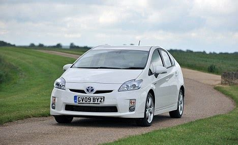 Hybrid Electric Vehicles Articles Hybrid And Electric Car Makers Told To Turn Up The Volume
