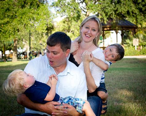 family photography poses family portrait posing tips