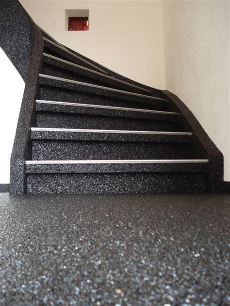 sofa mit fußstütze dekor schwarz treppe