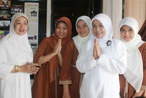 Etnis Tionghoa Di Indonesia melacak jejak etnis tionghoa di nusantara republika
