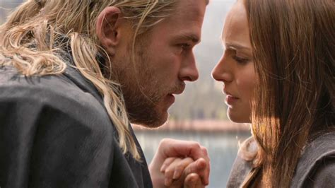 thor movie kiss scene thor the dark world with chris hemsworth natalie