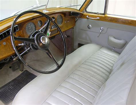 rolls royce blue interior 1960 rolls royce silver cloud ii 4 door sedan 62048