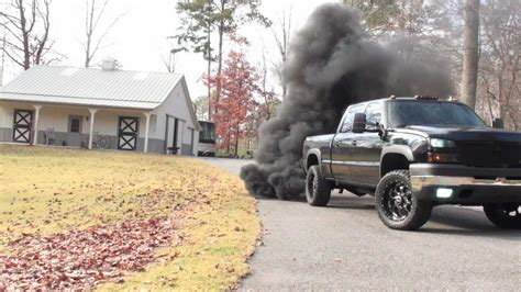 The gallery for --> Lifted Diesel Trucks With Stacks Lifted Duramax Diesel Blowing Smoke