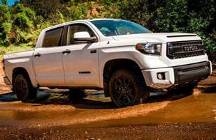 How Much Can A Toyota Tundra Tow How Does The Toyota Tacoma Compare To The Tundra
