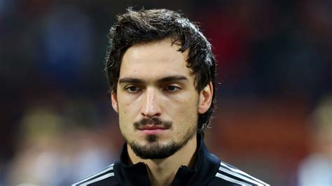 matts hummels germany s mats hummels open to manchester united move