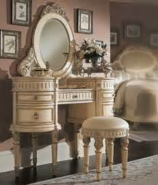 Vanity Table Furniture Vintage Makeup Vanity Table Pricevintage Makeup Vanity Table Bedroom Furniture Reviews