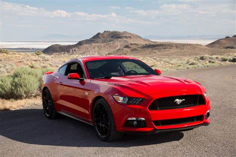 2015 ford mustang gt front three quarter photo 13