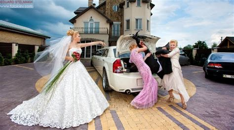crazy wedding photos crazy wedding photo ideas
