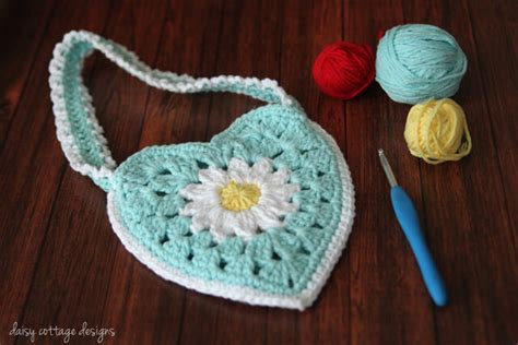 use this envelope purse free crochet pattern to create a granny purse crochet pattern daisy cottage designs