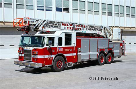 boat junk yard milwaukee milwaukee fire department 171 chicagoareafire
