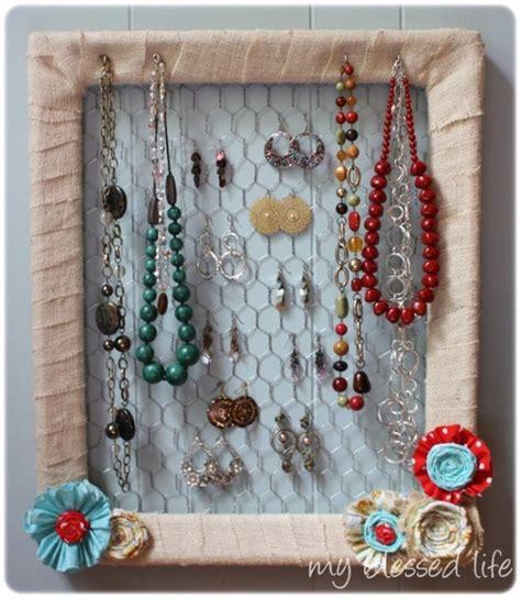 Handmade Jewelry Display Ideas - craft along handmade felt envelopes make and takes