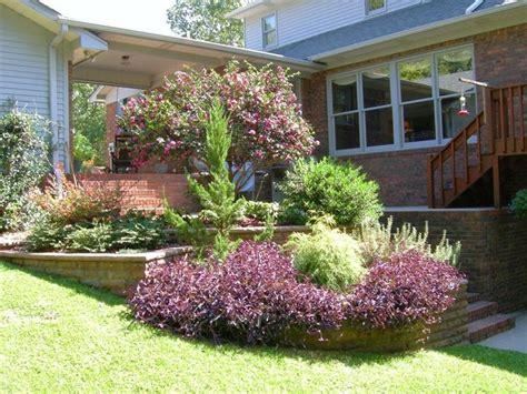 creare aiuole in giardino aiuole in pietra tipi di giardini realizzare aiuole in