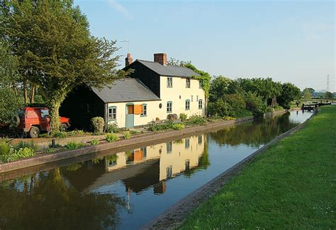 house taken at shropshire union canal uk early evening