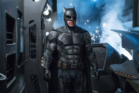 wallpaper batman ben affleck ben affleck as batman in justice league 8k wallpaper