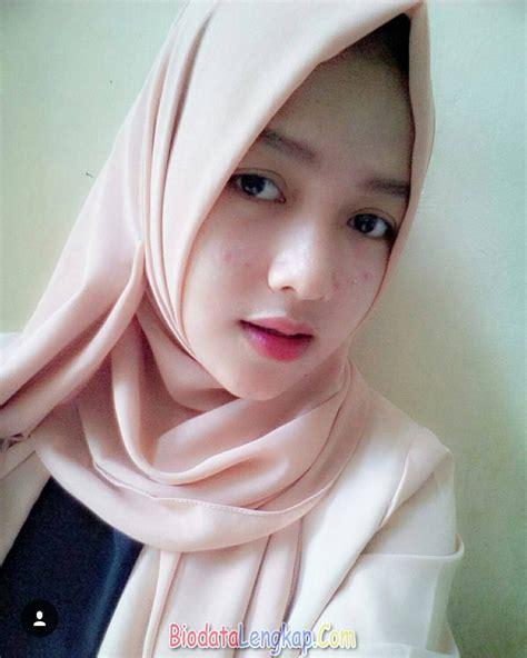 Jilbab Anak Pakai Nama 42 foto cewek cantik berjilbab pas banget di jadiin istri