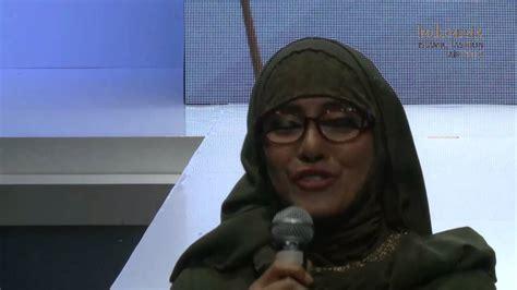 Ida Royani Tipe I 1 indonesia islamic fashion fair itang yunasz ida royani 30 may 2013