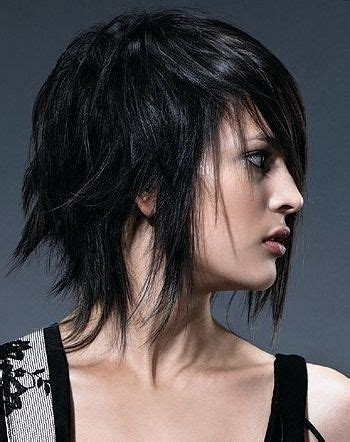 shoulder length spiky punk hair ladies hair styles best 25 edgy medium hairstyles ideas on pinterest one