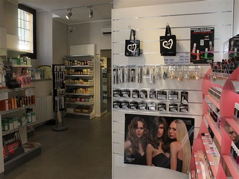 negozi arredamento varese arredamento negozio parrucchiere arredo negozi parrucche