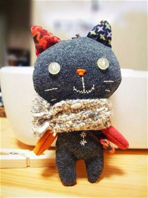 meet palmer penguin a doll sized softie or christmas ソーイング ネコのぬいぐるみキーホルダー sewing pinterest dolls softies