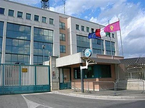 ufficio immigrazione perugia tra albanesi rimpatriati dalla polizia la voce