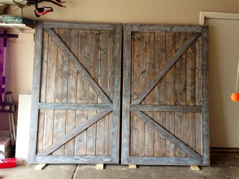 Barn Door For Closet by White Barn Door Closet Doors Diy Projects