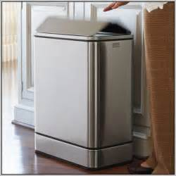 bathroom trash cans with lids bathroom trash cans with lids home decorating ideas