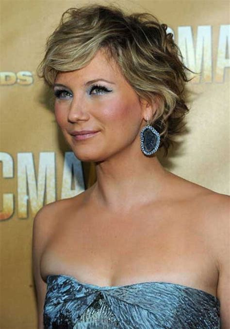 gorgeous hairstyles for girls with really curly hair beautiful short hairstyles for women