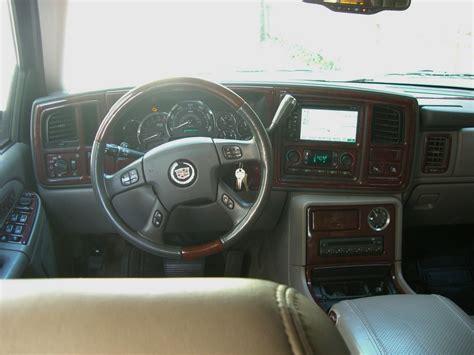 how to fix cars 2005 cadillac escalade interior 2005 cadillac escalade interior pictures cargurus