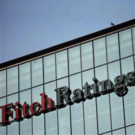 etf banche italiane scure di fitch sulle banche italiane declassate unicredit