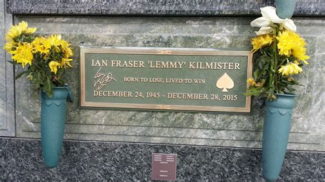 Find Where Are Buried Lemmy Kilmister 1945 2015 Find A Grave Memorial