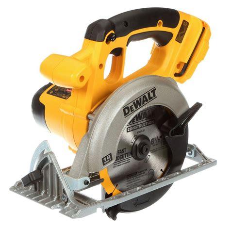 dewalt 18 volt 6 1 2 in 165 mm cordless circular saw