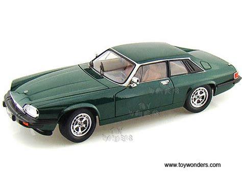 Yatming Jaguar 1975 jaguar xjs top 92658gn 1 18 scale yatming wholesale diecast model car